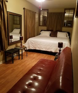 Magnificent  King Bed 30 days only rentals