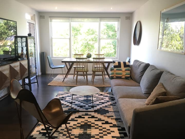 Sunny, Leafy, Modern Apartment
