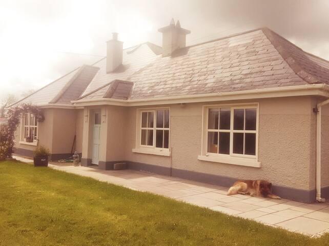 Country cottage, Navan