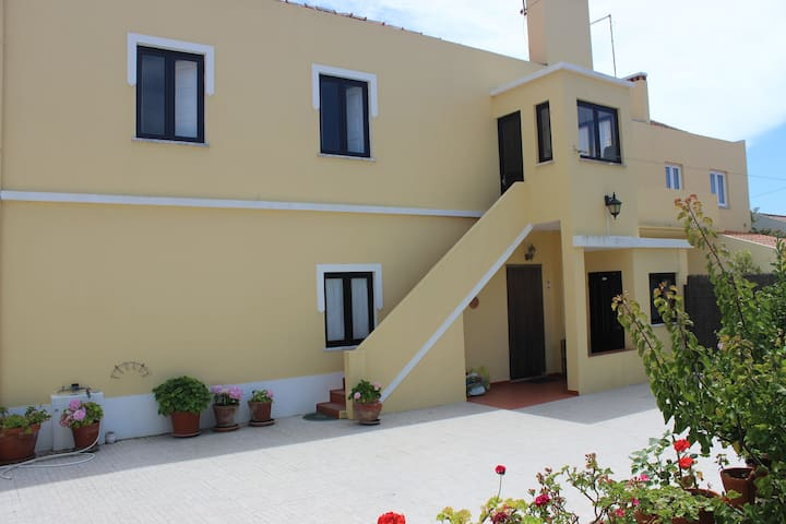 Large Villa, ideal to rest with family, near beach
