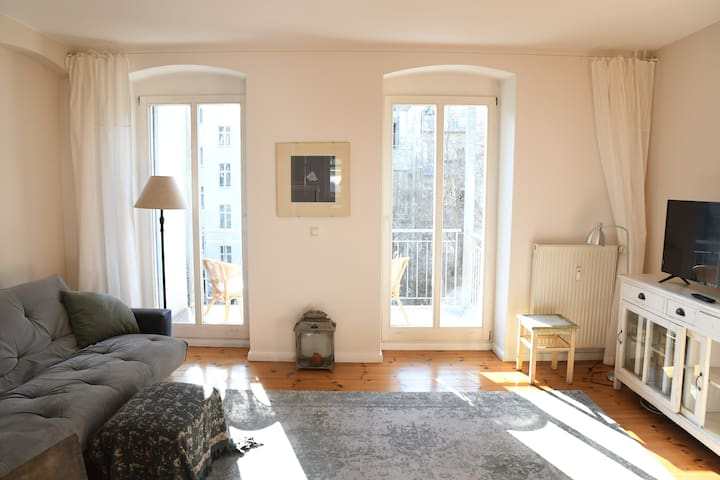 Central, cosy and bright flat in Berlin Mitte