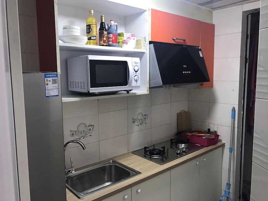 崭新方便的厨房,满足你对美食的享受!