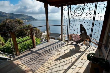 Breathtaking views Nature surrounds - Cape Town