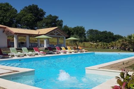 Villa De Carlonis,5 chambres 17 per,piscine privée - Villa