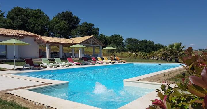 Villa De Carlonis,5 Rooms,17 People,private pool,