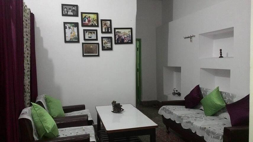 'DHAROHAR' An Independent Apartment - Uttarakhand - Lägenhet