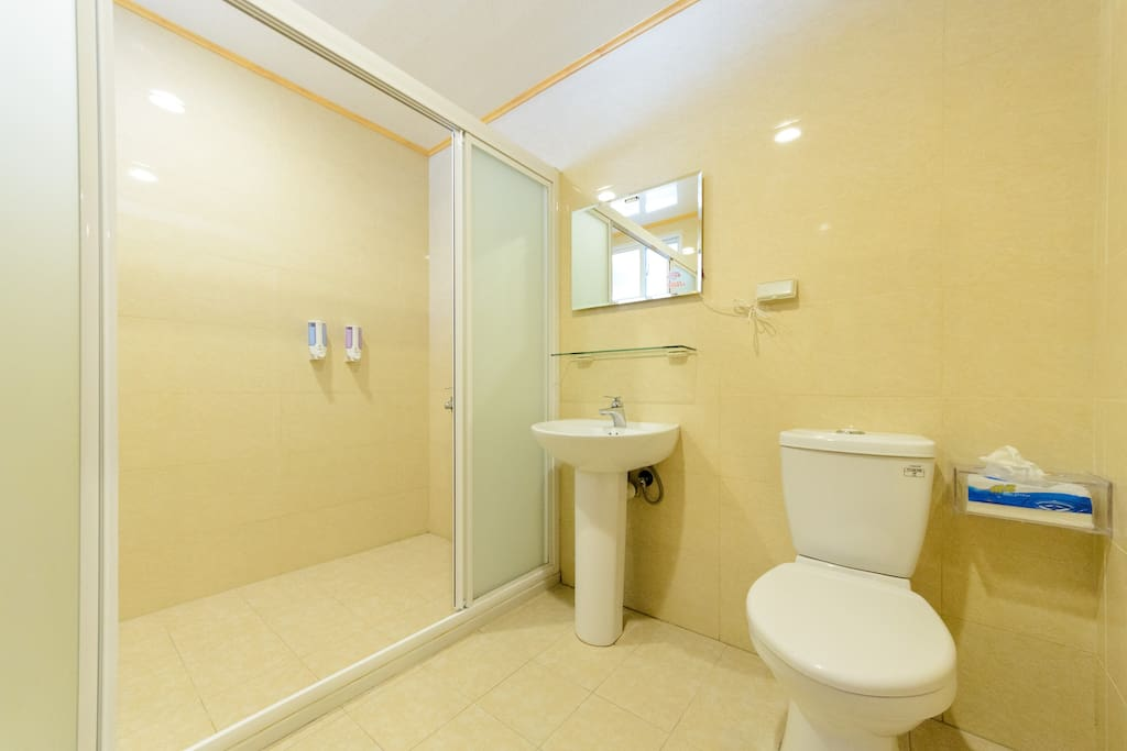 分離式浴廁