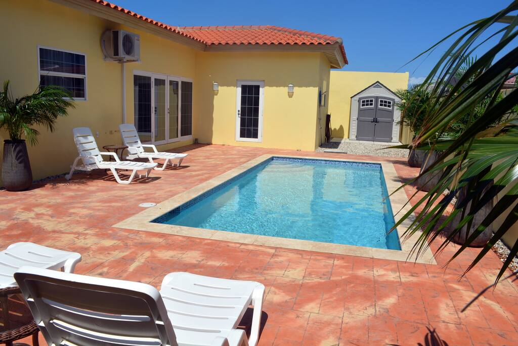 3 bedroom 2 5 bath pool home palm beach houses for rent for 3 bedroom house with pool