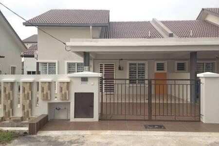 SP Guesthouse/Homestay (Berhampiran KLIA)