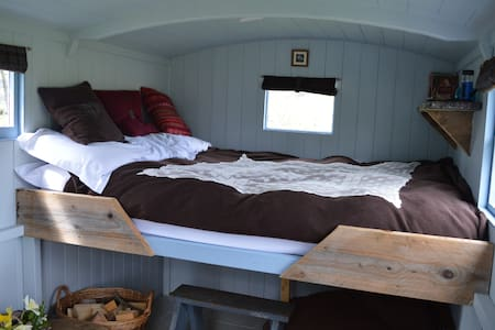 Ecocamp Glenshee Romantic Shepherds Hut
