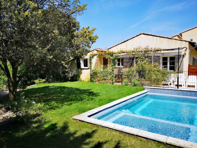 Lovely cottage in Provence 6 pers.