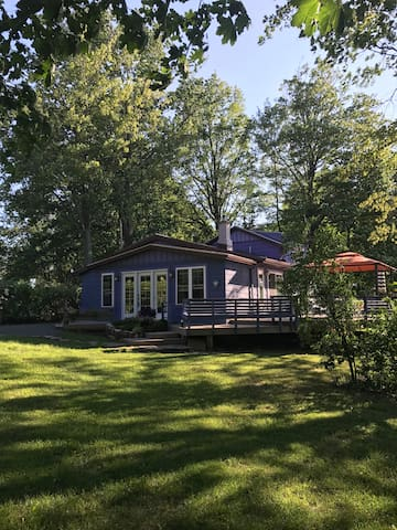 Water Front Lake Alice Cottage