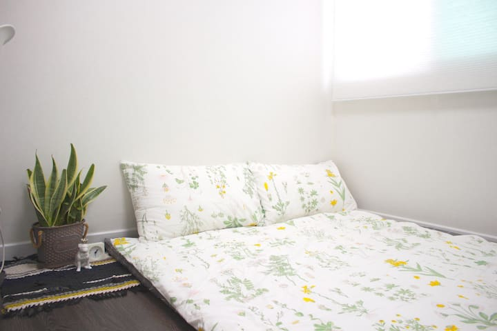 room3(3번방-접이식매트리스)