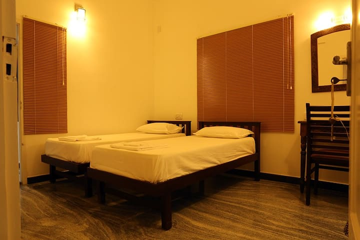 Antonys Homestay Fort Kochi- Double/Twin(AC Room)