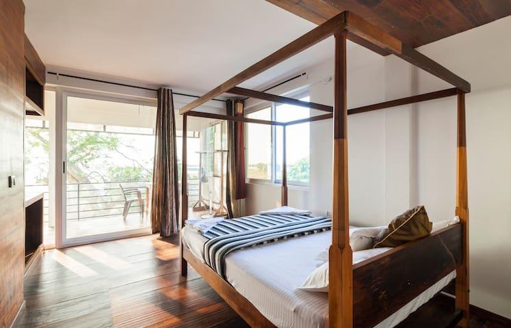 Samudra/Sea View /AC/Balcony/Cherai Beach North/3 - Kuzhuppilly - 家庭式旅館