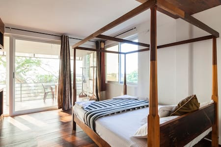 III Sea View AC Room W Balcony@ North Cherai Beach - Kuzhuppilly