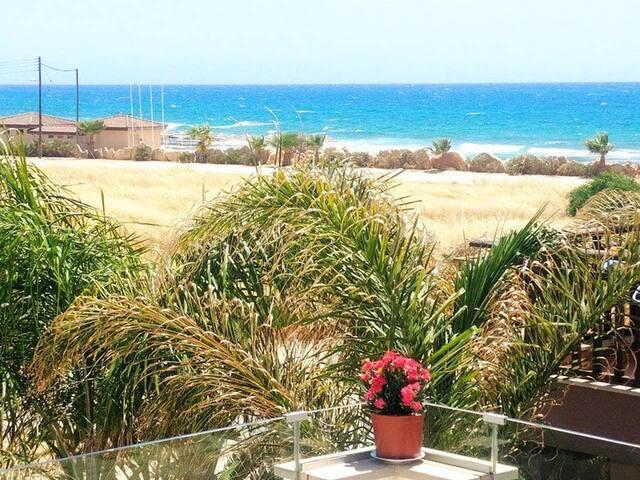 Beach Villa Goldenpalms - Ayia Thekla Beach