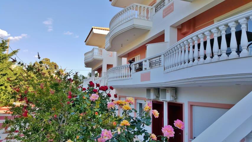 Villa Georgia,Loutraki