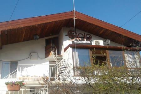 Вилла Стелла, Святой Константин и Елена, Варна