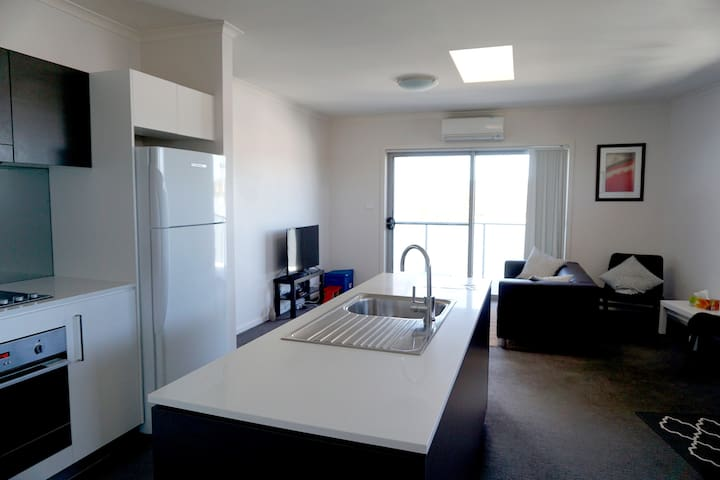 Luxury 2 Bedroom Apartment (Starlight at the Vue)