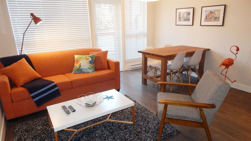 Brand New Bright and Modern 1BR with Parking, Fireplace and Balcony in Downtown Victoria