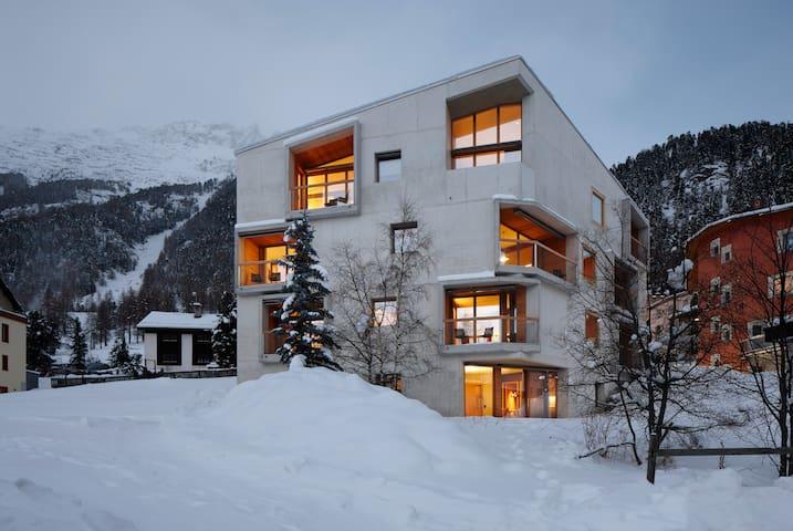 Alpine Lodge Chesa Plattner 2 Bett