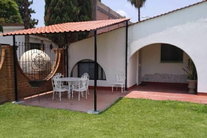 Habitacion sencilla con vista a la Alberca