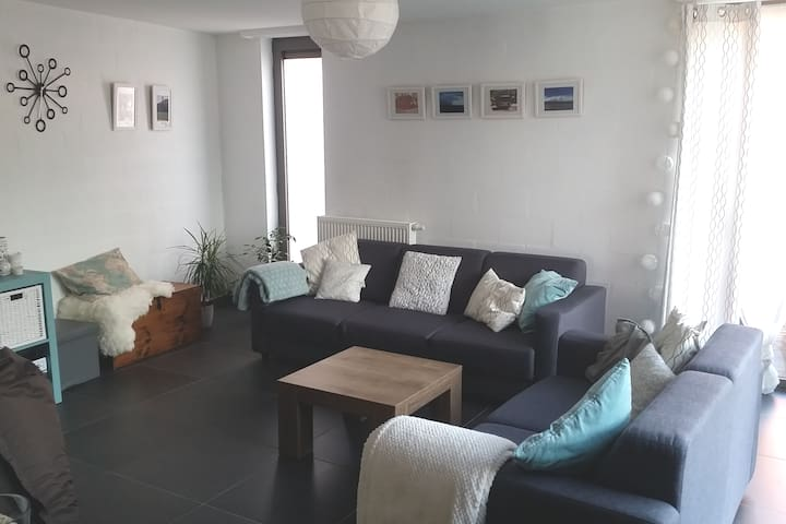 Modern appartement 90m² 1 to 3 pers. Station 900m