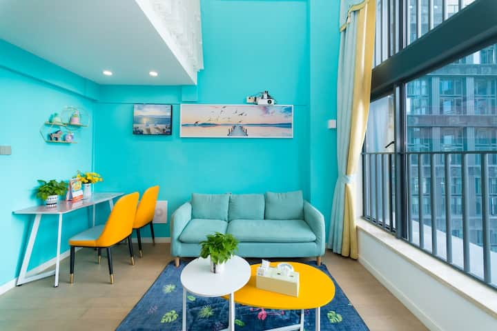 寓居近珠海站拱北口岸投影仪家庭影院小清新复式大床1.8大床房