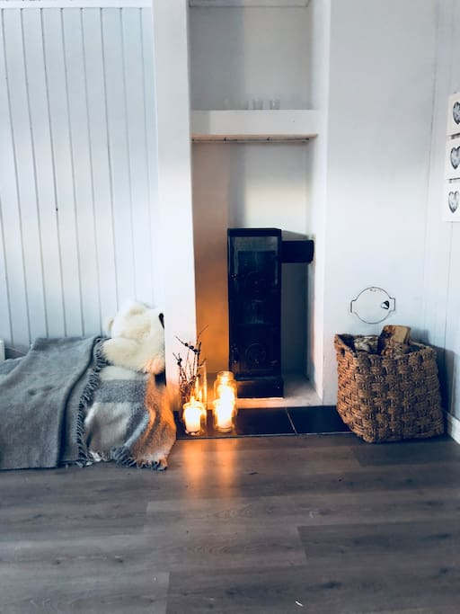 Cosy fireplace in the mainroom