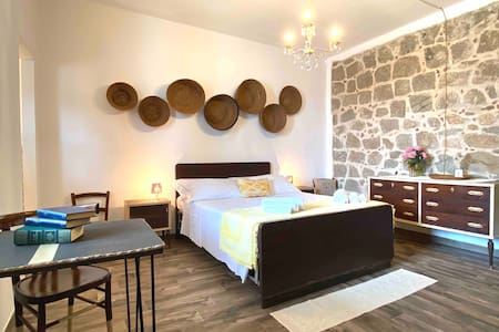 """Double-bed Typical Room """"Battonia"""""""