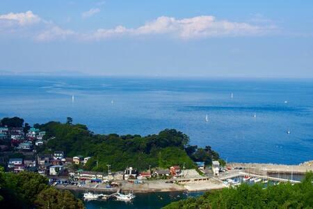 どこかなつかしい港町。大自然が詰まった真鶴半島で新鮮な海鮮料理を!釣り船も出せます★ - Manazuru-machi