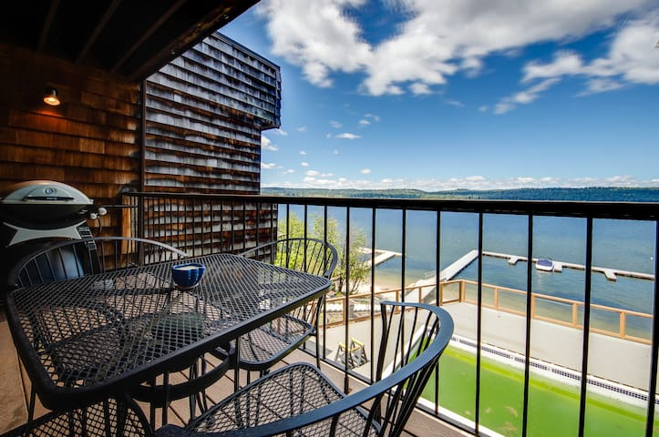 Comfortable lakefront condo w/ a shared pool, dock & gorgeous water views!