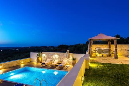 Newly built complex of villas - Rethymno