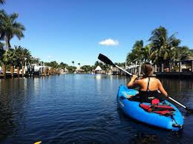 Colohatchee Park Villa & Water Activities - Wilton Manors - Ház