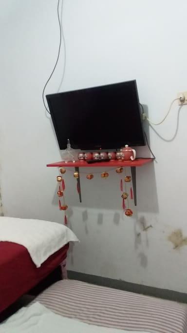 Flat tv on room