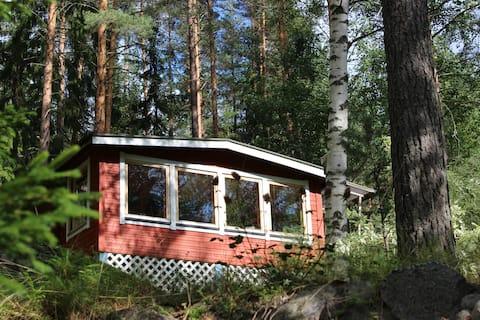 Μικρό, τακτοποιημένο εξοχικό σπίτι σε ένα ήσυχο μέρος