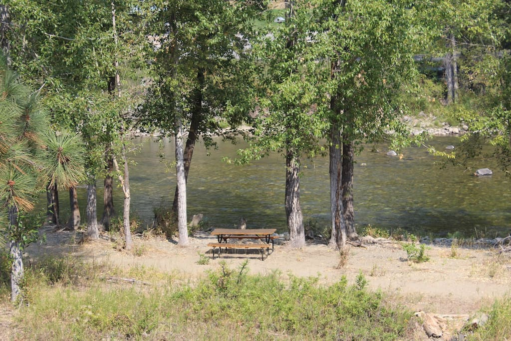 A view of the Methow River from second floor lodge rooms