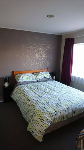 Friendly stay in a nice little town - Pukekohe - Casa