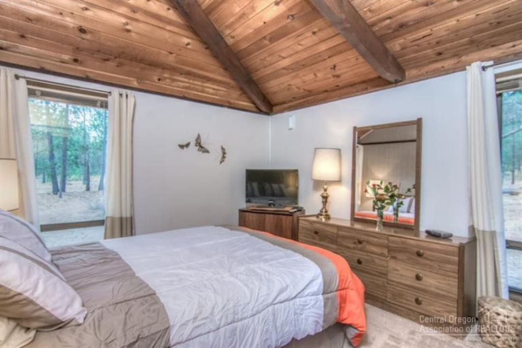 Master bedroom with view of Sunriver woods.