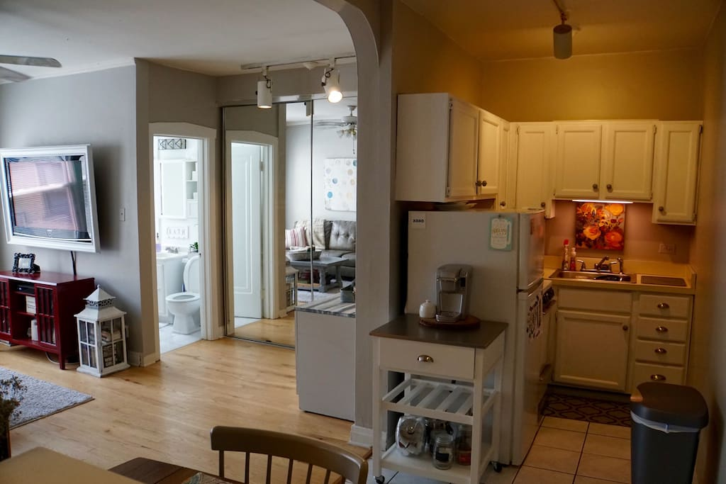 One Bedroom Apartment In Lakeview East Apartments For Rent In Chicago