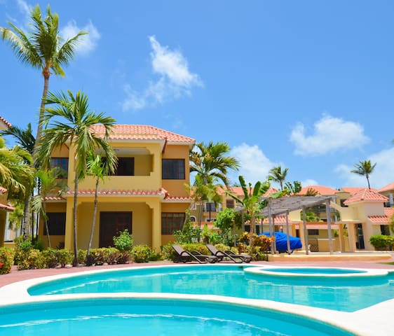 Luxury Punta Cana Villa - 5 Min Walk to the Beach! - Punta Cana - Villa
