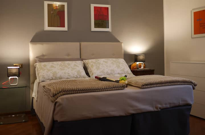 Enjoy Milano at Comfortable Spacious King Bed Room