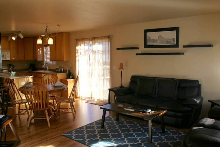 Sweet 2 Bdrm Townhome furnished wlaundry,  yard...