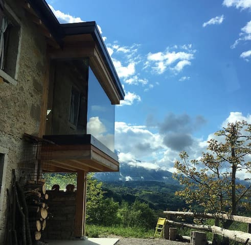 Traditional  Casera + Hive Bedroom and Panorama - Pieve D'alpago - Cottage