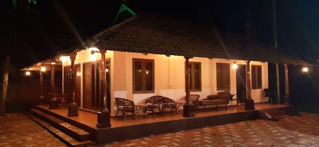 Backwater Front Boutique Resort Kumarakom Kottayam