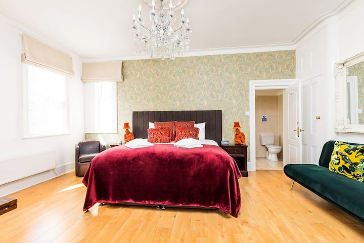 Master Family suite