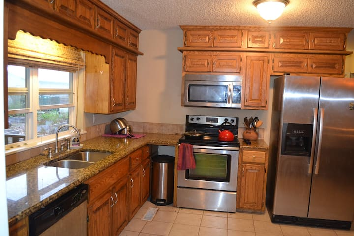 Cozy B&B With Wood Stove - Tahlequah - Huis