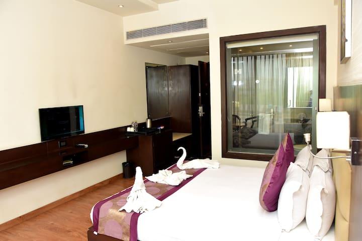 Mango classic Hotel Room Agra