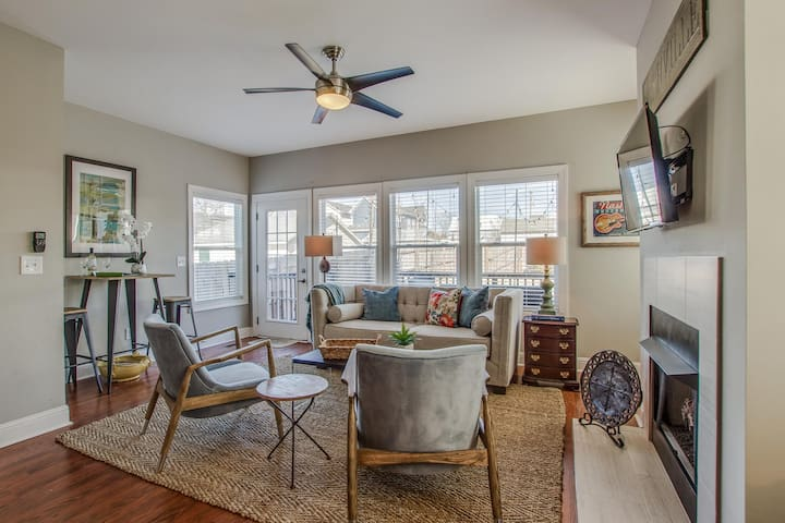Walkable Home in The Nations - 7 Mins to Downtown!